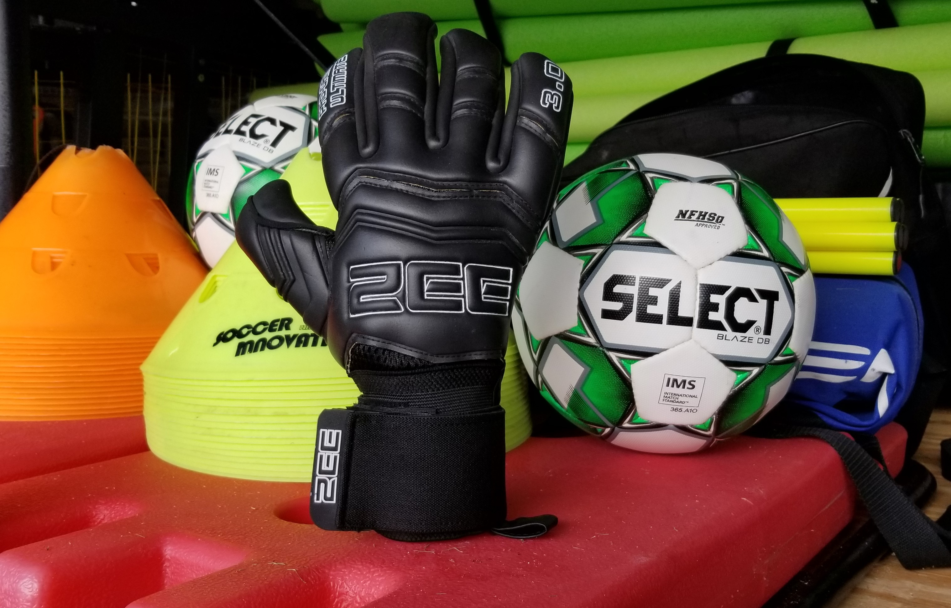 ZEE Pro-Game 3.0 Ultimate Goalkeeper Gloves